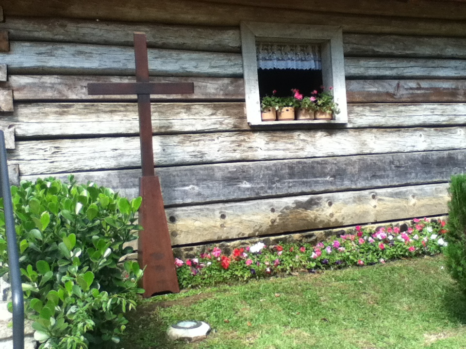 Incluso la iglesia tenía su toque floral...