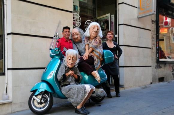 Agitación Senil por las calles Granada