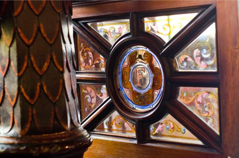 The Crown Liquoor Saloon, Belfast