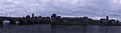 El río Shannon atravesando la ciudad de Limerick