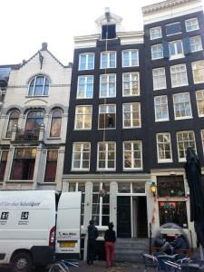 Edificio en Amsterdam en plena mudanza