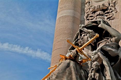 Detalle del puente Alejandro III, en París
