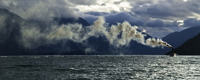 Barco de vapor en Queenstown, Nueva Zelanda