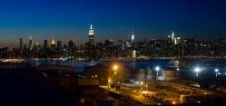 Manhattan de noche, desde Brooklyn, Nueva York