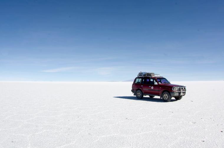 En medio del salar de Uyuni, imposible orientarse, sólo apto para los conductores con experiencia