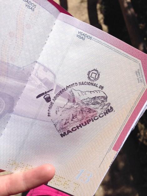 Junto a la entrada de Machu Picchu es posible sellar (gratis) tu pasaporte