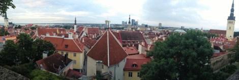 Dese los miradores en Toompea tendrás las mejores vistas de las murallas y la ciudad baja (¡y gratis!)