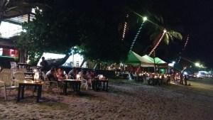 Chiringuitos de playa llevados al siguiente nivel en Mirissa. Sri Lanka
