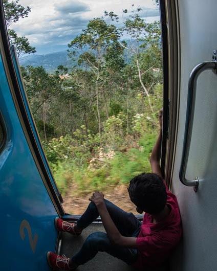 El recorrido por las tierras altas de Sri Lanka en tren es una maravilla para la vista