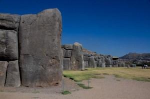 Sacsayhuamán en Cuzco, Perú, es una muestra perfecta de la técnica de construcción inca: grandes bloques de piedra encajados como un puzzle