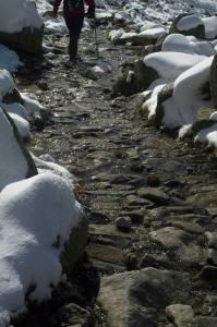 Piedra, hielo, nieve ¡y agua! nos acompañan durante la ruta