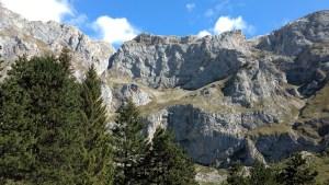 El teleférico de Fuente Dé sube hasta más de 1.800 metros situándote cara a cara con los Picos de Europa