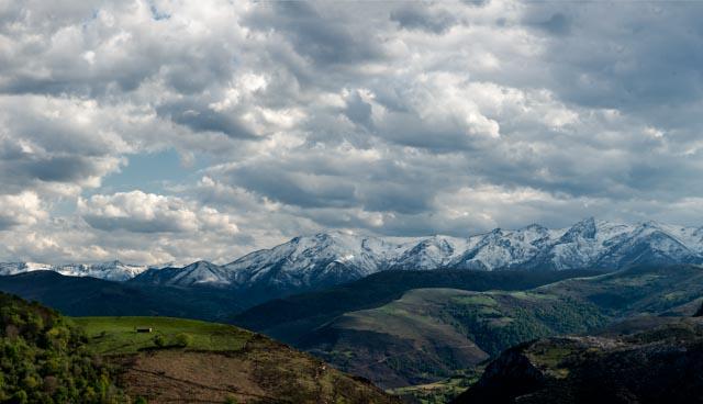 Vistas de los alrededores de la cuelva El Soplao, en la comarca de Saja-Nansa