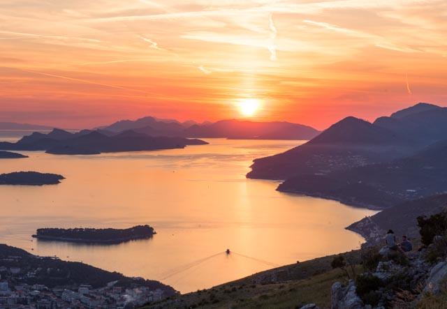 Atardecer sobre el Adriático y las islas Elafiti, desde el monte Srd al que subimos en el teleférico de Dubrovnik