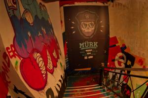 Graffittis en un bar de Tallin