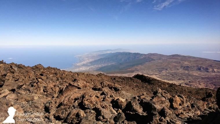 Vistas de la isla de Tenerife desde el mirador en el Teide, en la estación de La Rambleta
