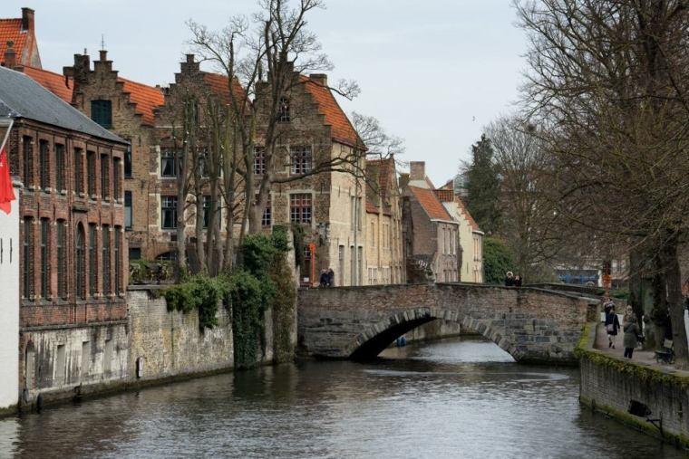 Los canales y puentes que te encuentras a cada paso en Brujas