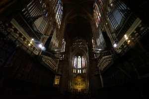 Interior de la catedral de León: 1.500 metros cuadrados de vidrieras de colores
