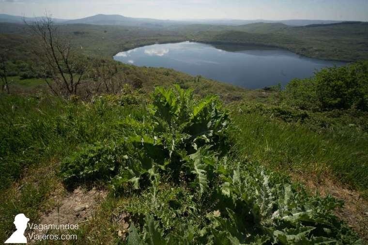El lago Sanabria, en Zamora, es el más extenso de toda España