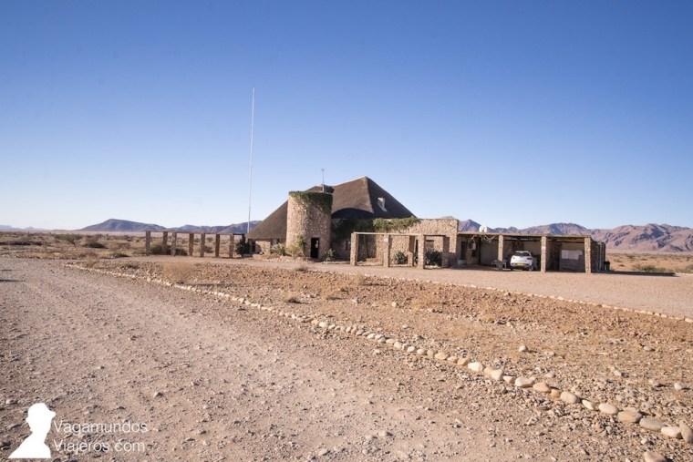 Agama River Camp, en la carretera de Solitaire a Sesriem, Namibia