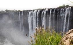 Las cataratas Victoria desde uno de los miradores en el Parque Natural de Zimababue