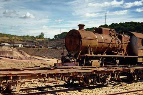 Antiguas locomotoras que circulaban por la vía de tren que unía las minas de Riotinto con el puerto de Huelva