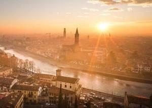 Atardecer sobre Verona desde el mirador del Castelo de San Pietro