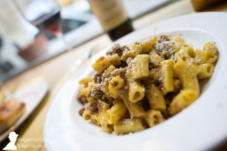 Plato de pasta en la osteria Bugiardo de Verona