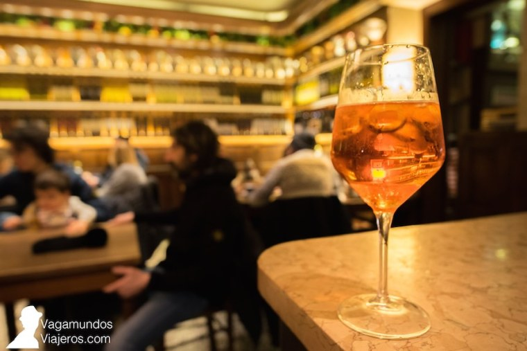 El spritz es la bebida oficial del aperitivo en Verona