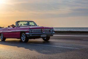 """Los famosos """"almendrones"""", los coches clásicos que puedes encontrar en Cuba"""