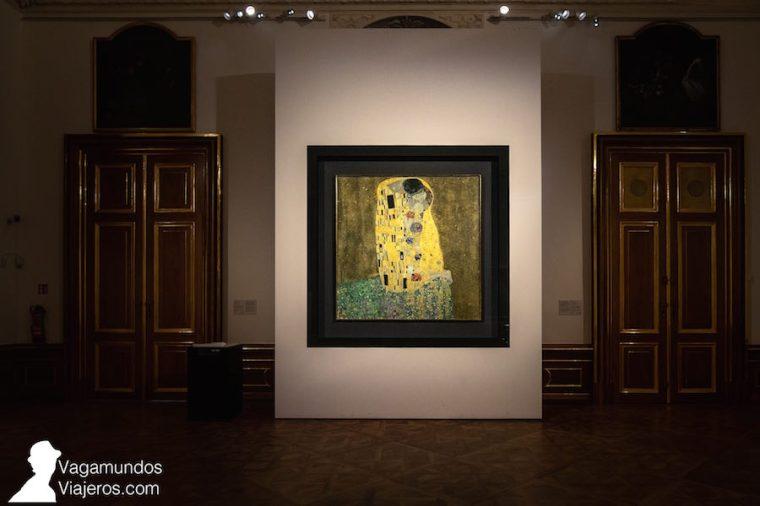El mundialmente conocido cuadro de El Beso de Gustav Klimt, en el Museo Belvedere de Viena