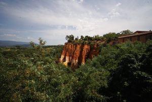 Cortado de la roca donde se encuentra Roussillon, Francia