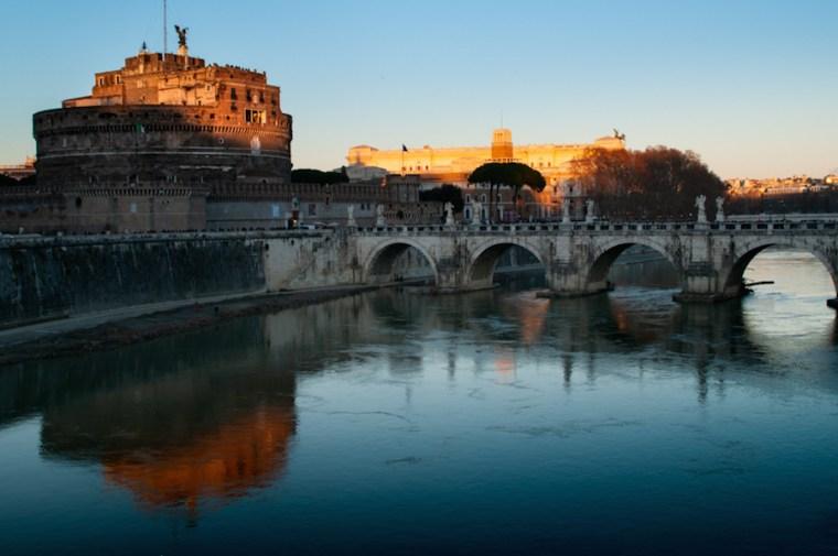 Castillo y puente de S'ant Angelo en Roma