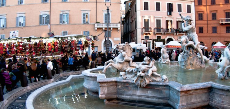 Plaza Navona con puestos de Navidad, Roma