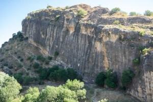 Parede junto a la presa del Pontón de la Oliva, popular entre escaladores