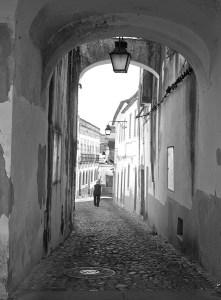 Paseando por las tradicionales calles de Évora