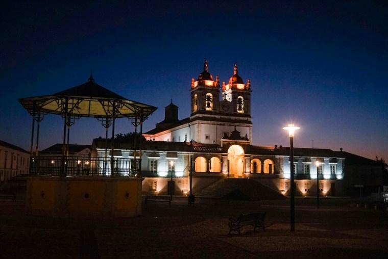 Basílica de Nuestra Señora de Nazaré, vista nocturna