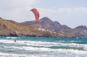 Kitesurf en la playa de los Genoveses, Cabo de Gata