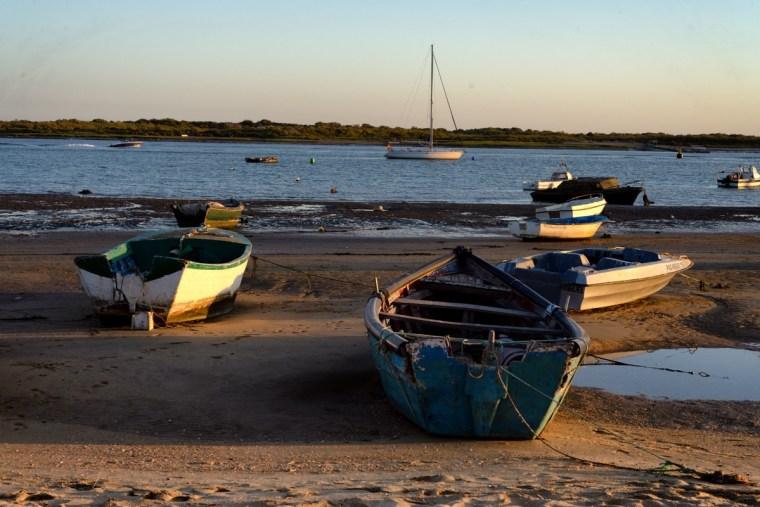 Barcos en la playa de El Rompido, Huelva