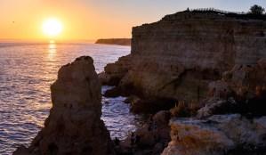 Atardecer desde los acantilados de Algar Seco en la costa de Carvoeiro
