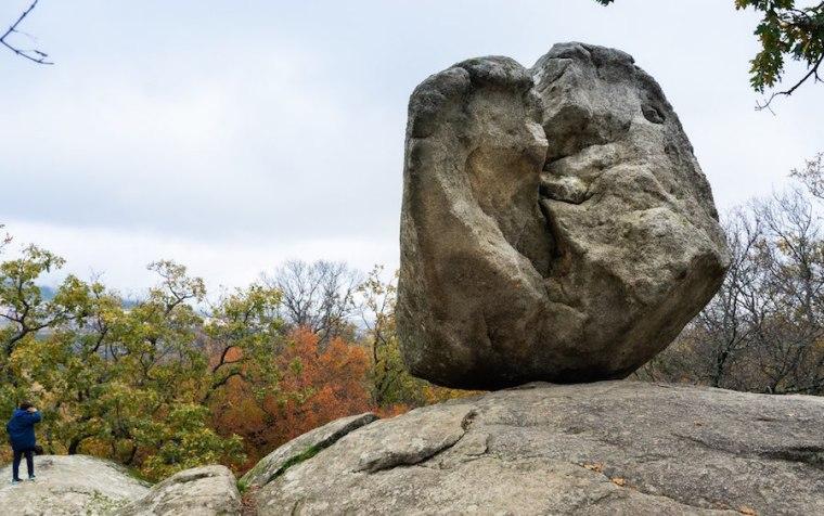 Piedra en las inmediaciones de la Silla de Felipe II, El Escorial