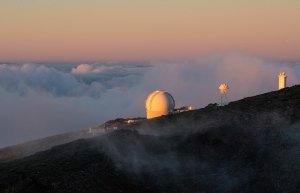 Observatorio Astronómico en el Roque de los Muchachos, al atardecer