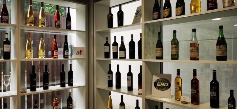 Exposición de vinos de La Mancha en el Museo Torrel del Vino de Socuéllamos