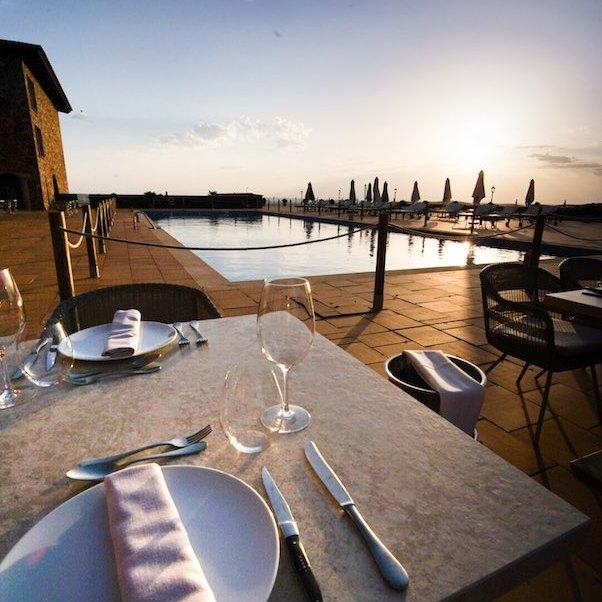Cena en la terraza del Hotel La Caminera Club de Campo, Ciudad Real