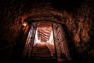Acceso a la cueva de finales del siglo XIX en Bodegas Córcovo, Valdepeñas