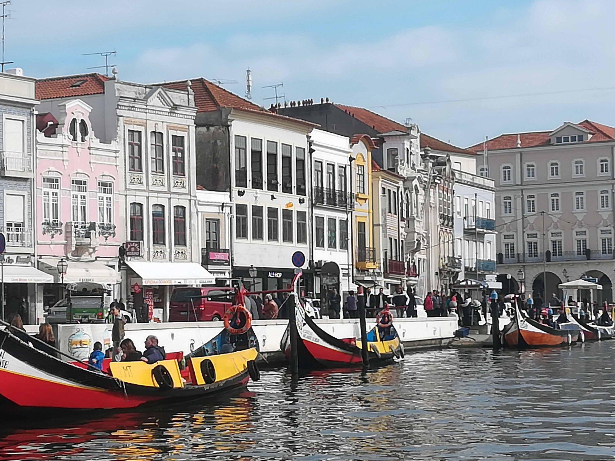 Aveiro-la-ciudad-de-los-canales