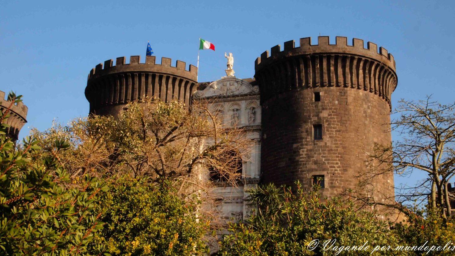 napoles-que-ver-castillo-nuovo