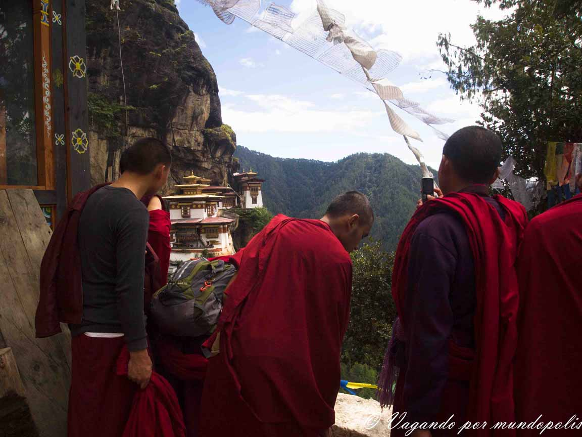 monasterio-el-nido-del-tigre-butan