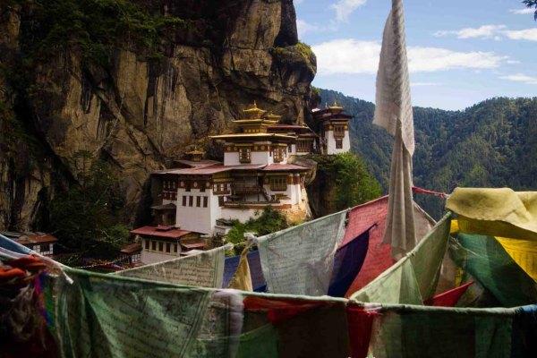 El Nido del Tigre Butan: Subida a un monasterio de leyenda