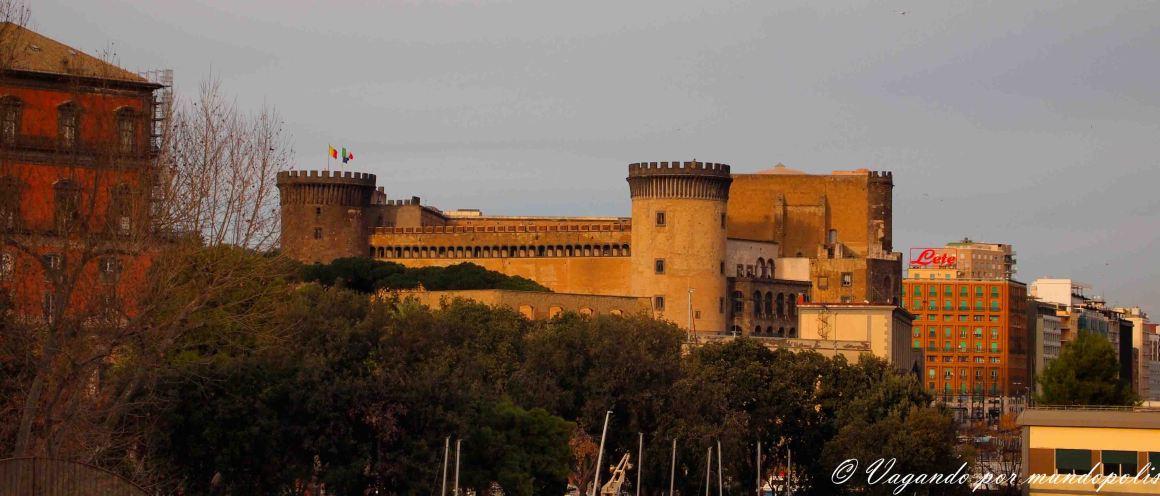 turismo-en-napoles-que-ver-castillos